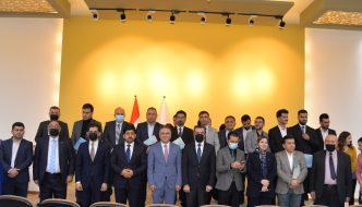 EPU Arranges An Honorary Ceremony For Rewarding Top One Students And Supervisors Of The Scientific Conference Of The Students (Covid 19 From Confrontation to Opportunity)